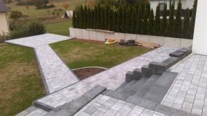 Gestaltung der Außenanlagen, Pflasterarbeiten, TORIC Bau