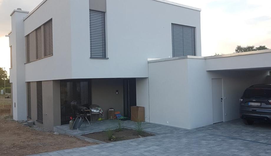 Toric Bau - Einfamilienhaus, Neubau und gestaltung der Außenanlagen